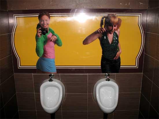 Приколы: Хорошо туалет оформили :) в ресторане г. Ставрополь