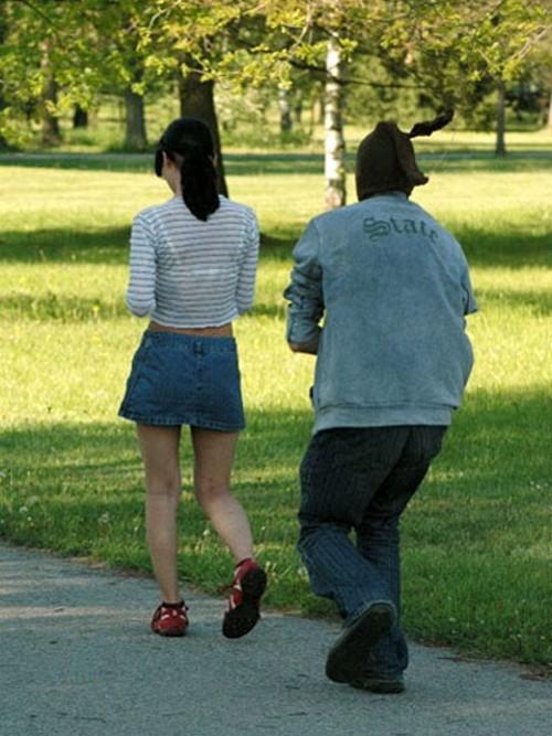 Приколы: В Японии опасно ходить в мини-юбках (далее еще 9)