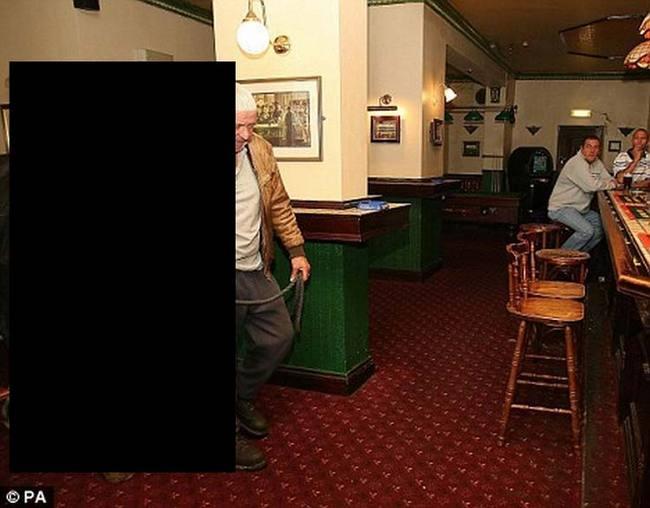 Приколы: С кем можно ходить в ресторан (3 фото)