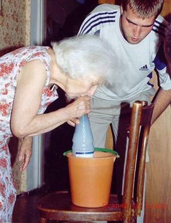 Приколы: Продвинутые бабульки (17 фото)