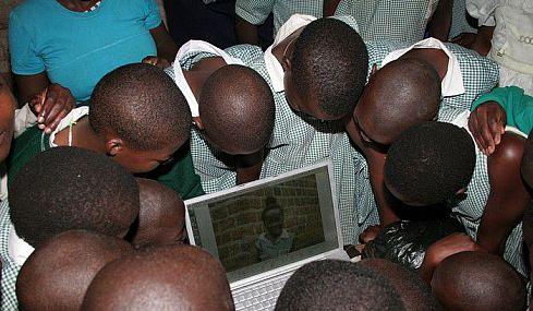 Приколы: До Африки докатилась компьютеризация (8 фото)
