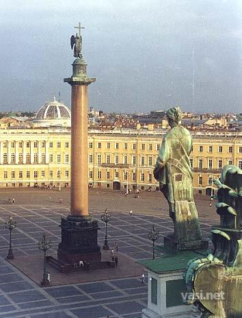 Приколы: Главная достопримечательность Дворцовой площади (6 фото)