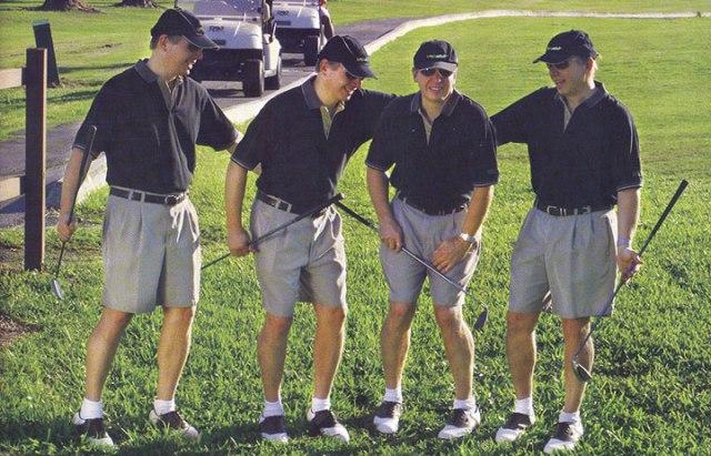 Приколы: Бугага, я плачу... Как сходить в туалет на поле для гольфа (3 фото)