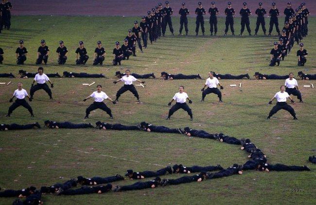 Приколы: Анти террористические тренировки в Китае  (13 фото)