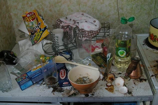 Приколы: Квартира студента после сессии (4 фото)