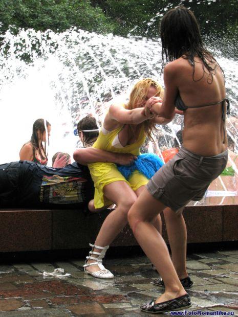 Приколы: Пена-парти в бассейне (45 фото)