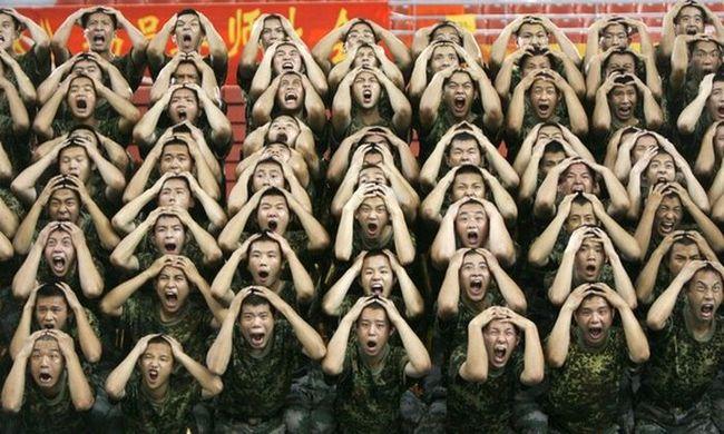 Приколы: Китайская армия отжигает (12 фото)
