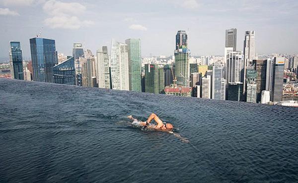 Разное: Отель Marina Bay Sands в Сингапуре (8 фото)