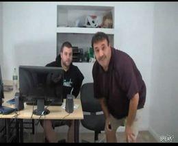 Жесть, Видео: Жестокий прикол над офисным шутником