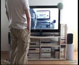Жесть, Видео: Ребенок убил телевизор