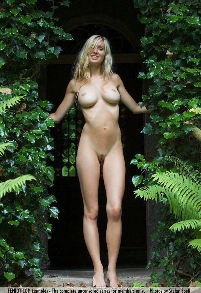 Девушки: Эротическая модель Биргит (22 фото)