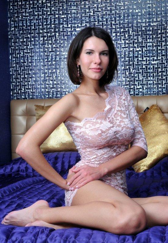 Девушки: Эротическая модель Оливия (14 фото)