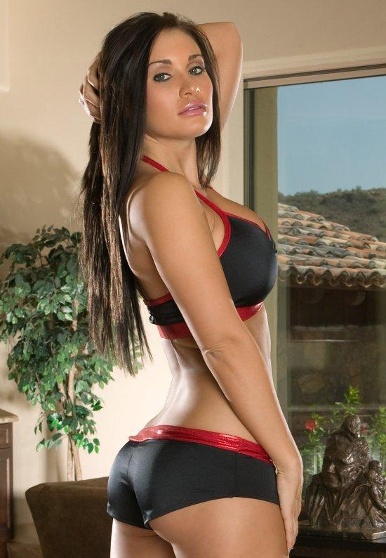 Девушки: Эротическая модель Лина (16 фото)