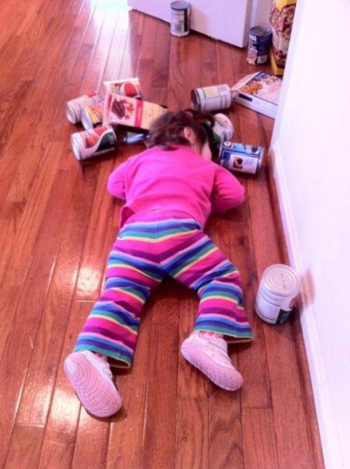 Девушки: Дети в нелепых ситуациях