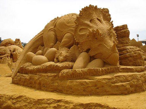 Девушки: Скульптуры из песка