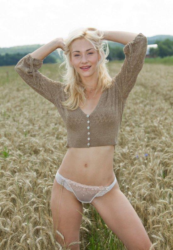 Девушки: Эротическая модель Милослава (22 фото)