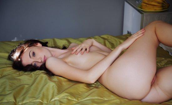 Девушки: Эротическая модель Нора (11 фото)