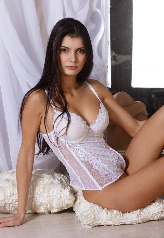 Девушки: Эротическая модель Изабелла (21 фото)