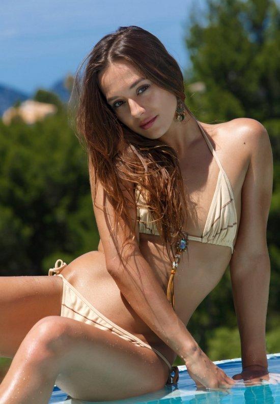 Девушки: Эротическая модель Шакира (20 фото)