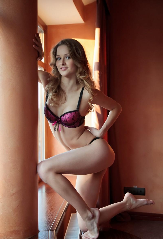 Девушки: Эротическая модель Муза (15 фото)
