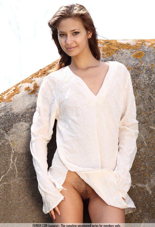 Девушки: Эротическая модель Юна (15 фото)