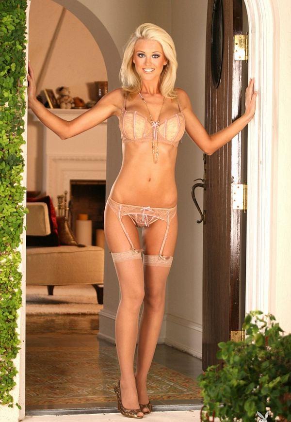 Девушки: Эротическая модель Майя (15 фото)