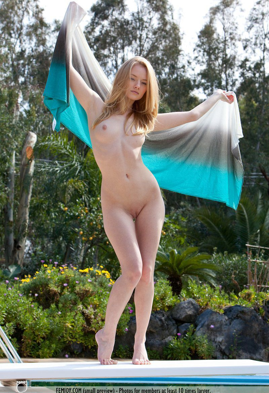 Девушки: Эротическая модель Марьям (12 фото)