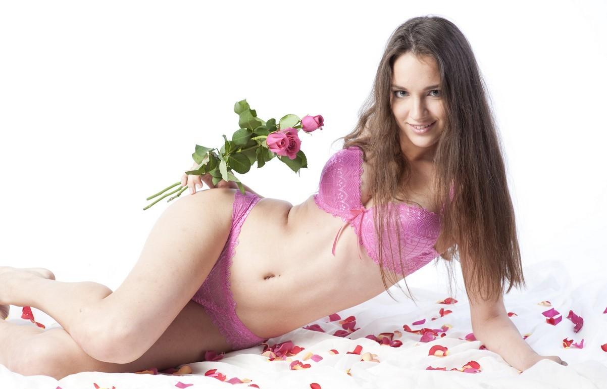 Девушки: Эротическая модель Виктория (12 фото)