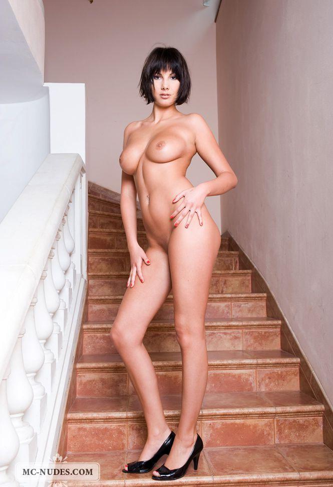 Девушки: Эротическая модель Мирослава (14 фото)