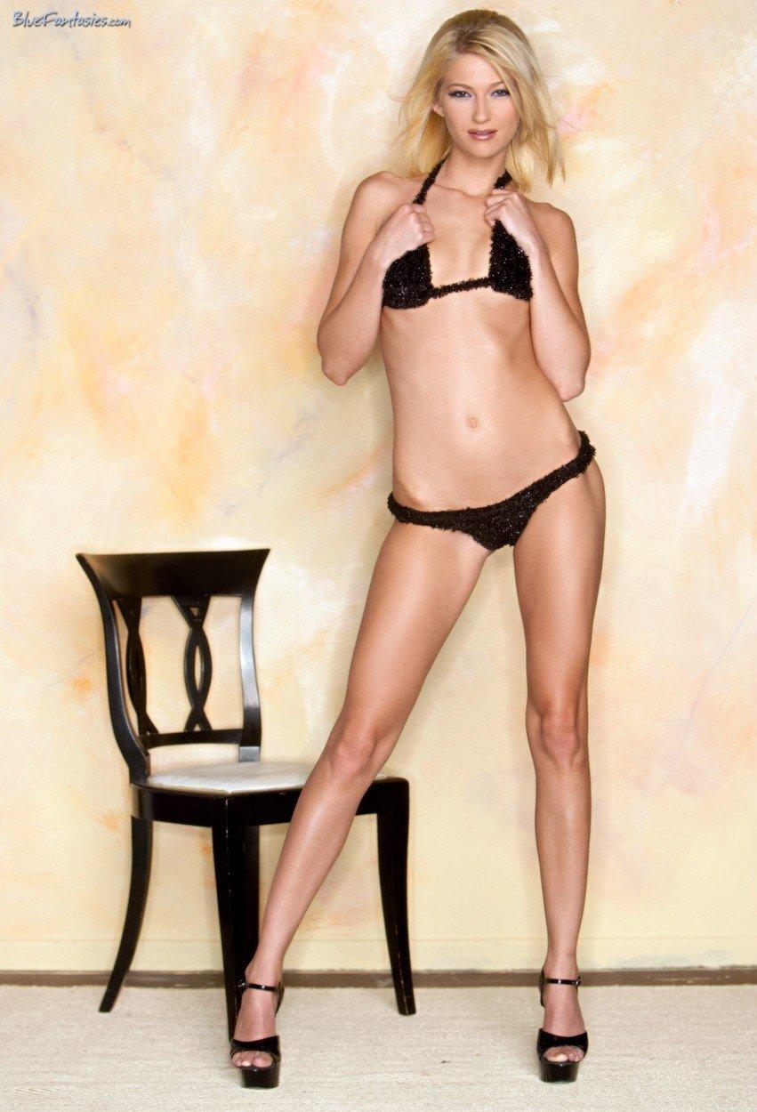 Девушки: Эротическая модель Амелия (14 фото)