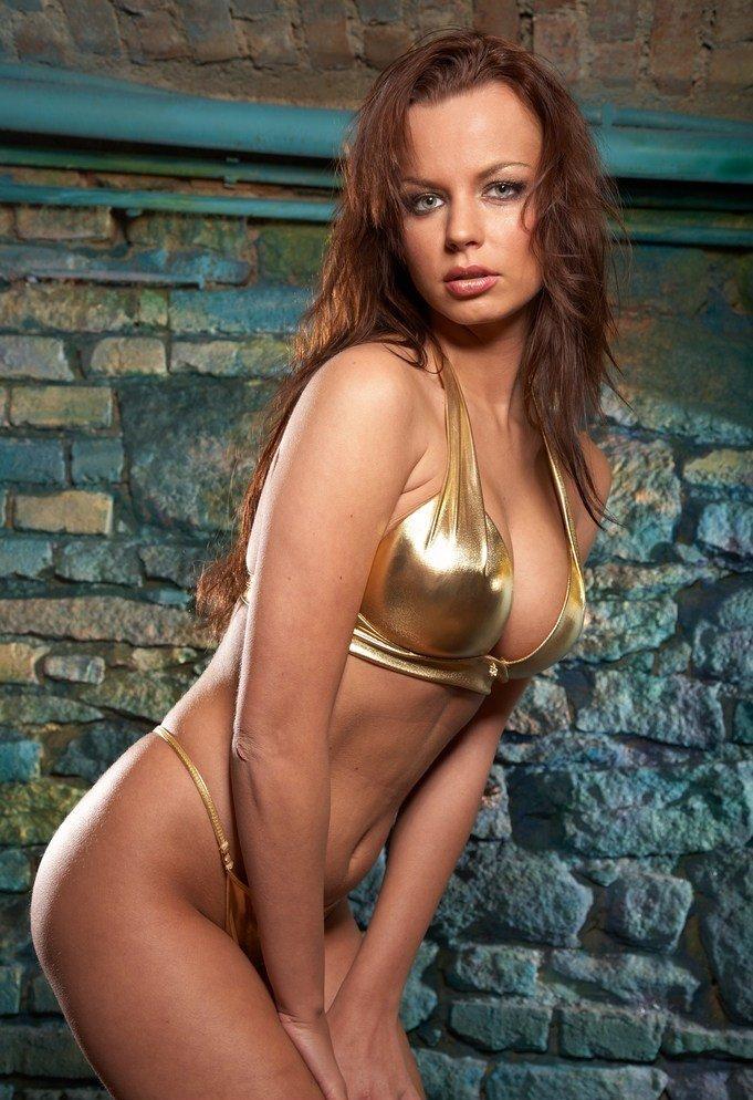 Девушки: Эротическая модель Гульмира (16 фото)