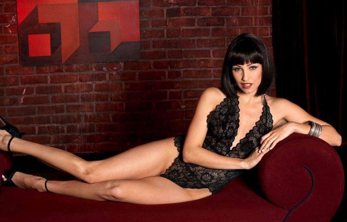 Девушки: Эротическая модель Ирина (15 фото)