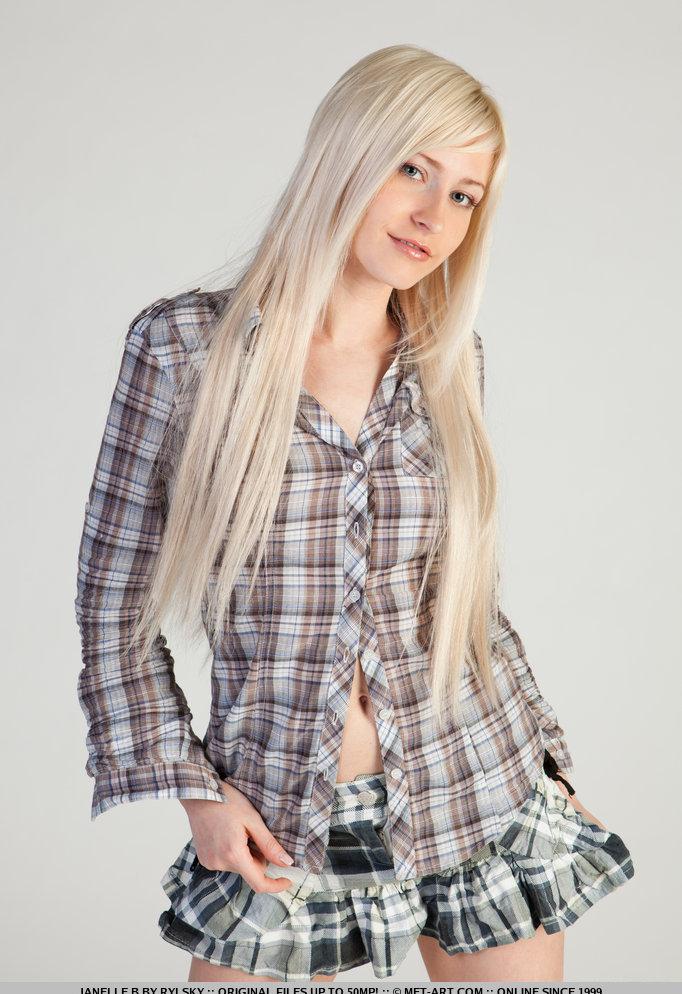Девушки: Эротическая модель Юханна (18 фото)