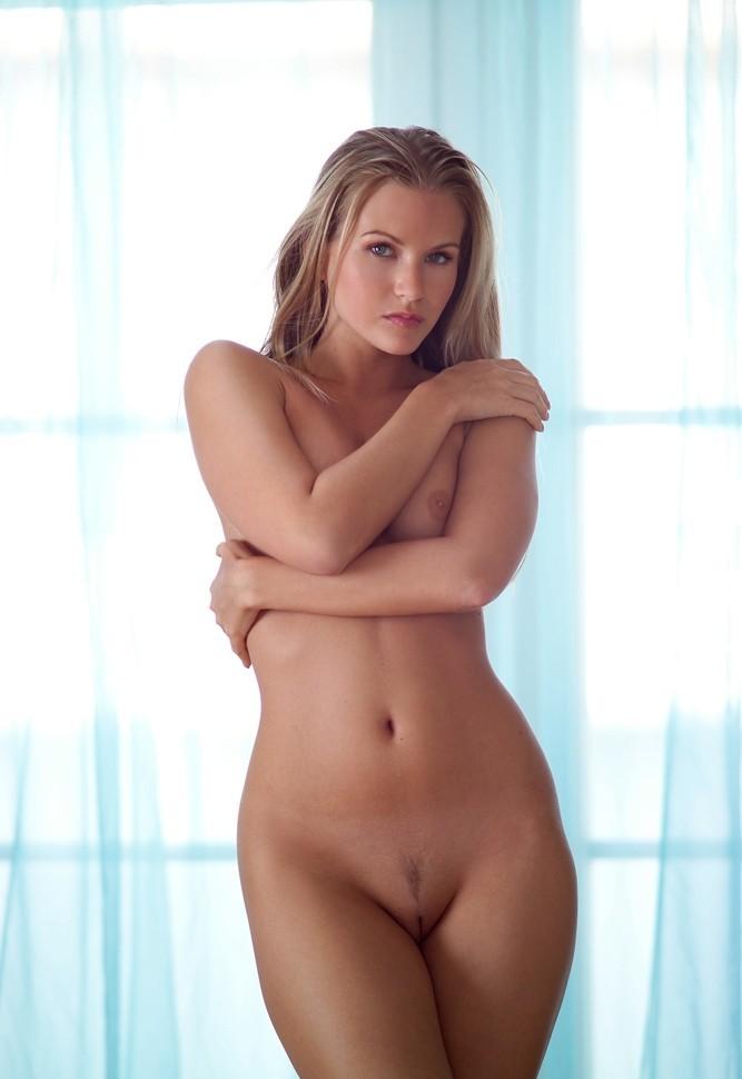 Девушки: Эротическая модель Изяслав (15 фото)
