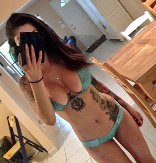 Девушки: Девушки с татуировками