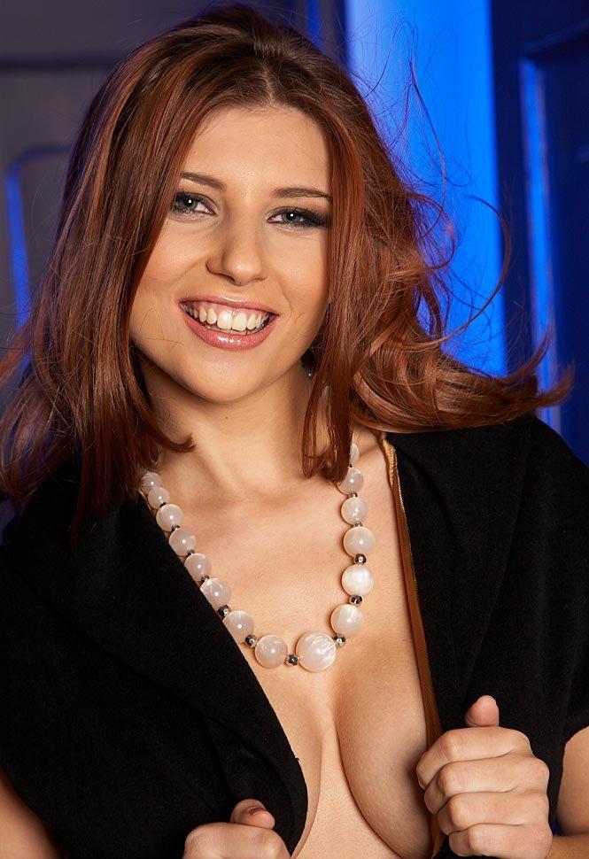 Девушки: Эротическая модель Бронислава (14 фото)