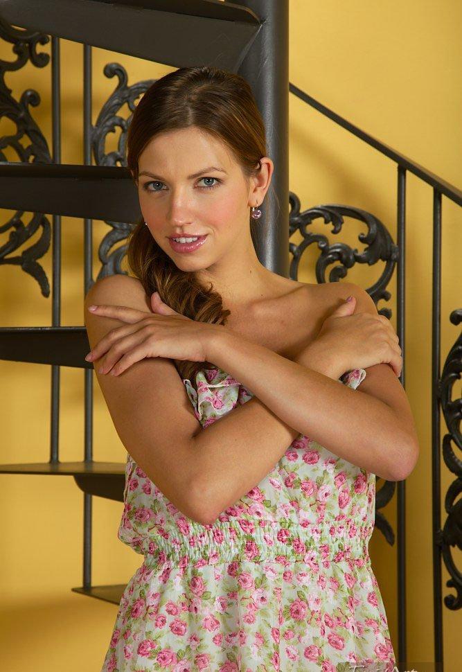 Девушки: Эротическая модель Фая (15 фото)