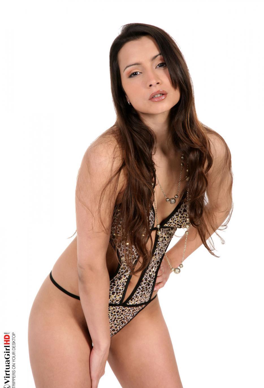 Девушки: Эротическая модель Адриана (15 фото)