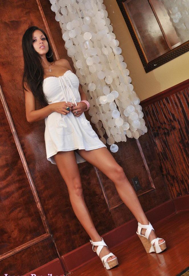 Девушки: Эротическая модель Лина (15 фото)