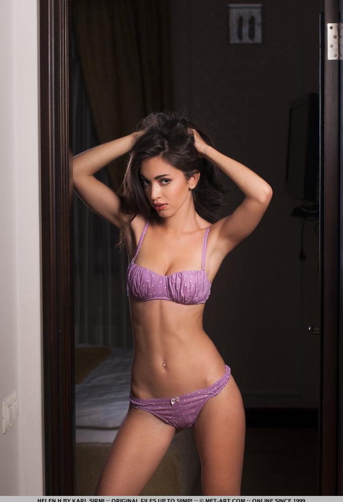 Девушки: Эротическая модель Лилиана (15 фото)