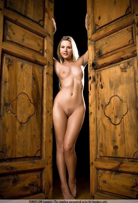 Девушки: Эротическая модель Азиза (15 фото)