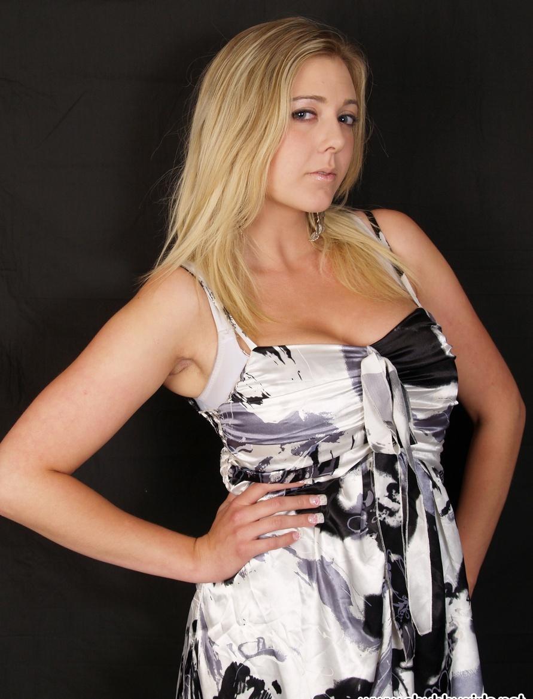 Девушки: Эротическая модель Клара (16 фото)
