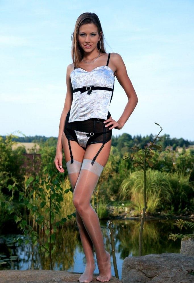 Девушки: Эротическая модель Грета (20 фото)