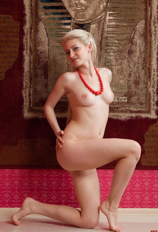 Девушки: Эротическая модель Линда (15 фото)