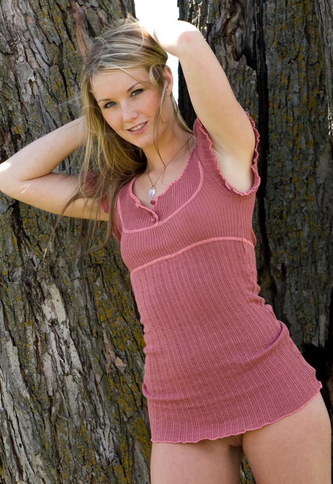 Девушки: Эротическая модель Ануш (15 фото)