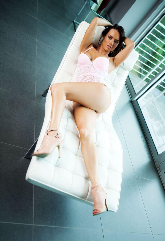 Девушки: Эротическая модель Ирина (10 фото)