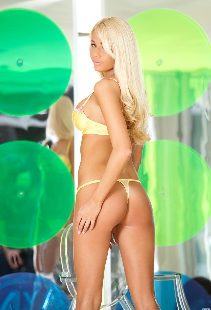 Девушки: Эротическая модель Дебора (12 фото)