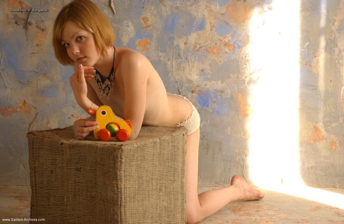 Девушки: Красивые груди (15 фото)