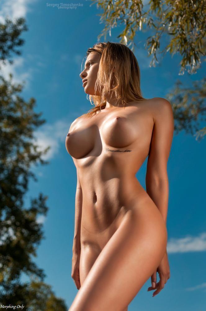 Девушки: Голые девушки (11 фото)