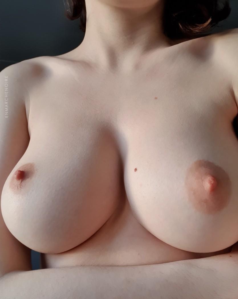 Девушки: Голые девушки (10 фото)